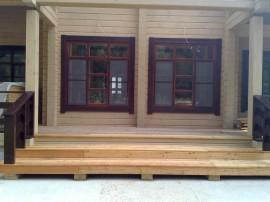Деревянные окна из клееного бруса
