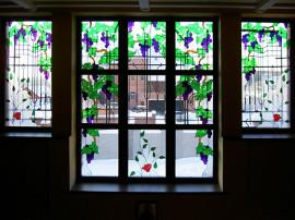 Деревянные витражные окна